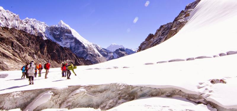 EBC-Chola-Pass-Gokyo-Trekking