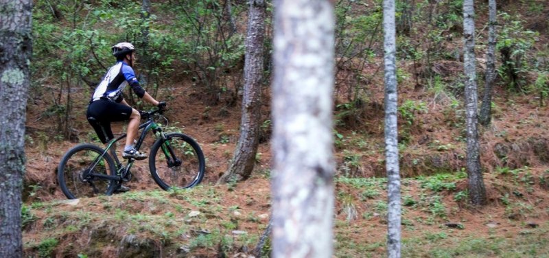 bhutan_biking